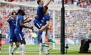 Soccer Football - FA Cup Semi Final - Chelsea v Southampton - Wembley Stadium, London, Britain - April 22, 2018 Chelsea's Alvaro Morata celebrates scoring their second goal with Cesar Azpilicueta and teammates REUTERS/David Klein