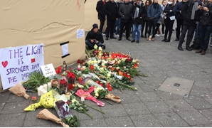 2016 Berlin Christmas market truck attack - flower memorial - Creative Commons via Wikimedia Commons