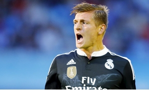 Real Madrid's Toni Kroos celebrates his goal against Celta Vigo during their Spanish first division soccer match at Balaidos stadium in Vigo April 26, 2015. REUTERS/Miguel Vidal