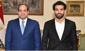President Abdel Fatah al-Sisi (L) during his meeting with Liverpool's star the Egyptian player Mohamed Salah (R) on January 9, 2018 - File photo/Official Facebook page of Sisi
