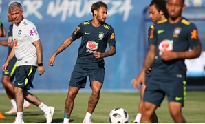 Soccer Football - World Cup - Brazil Training - Yug-Sport Stadium, Sochi, Russia - June 14, 2018 Brazil's Neymar and team mates during traning. REUTERS/Hannah McKay