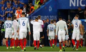 Football Soccer – England v Iceland – EURO 2016 – Round of 16 – Stade de Nice, Nice, France – 27/6/16 - England's players look dejected after the game- REUTERS/Kai Pfaffenbach