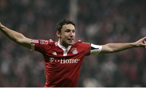 File - Mark Van Bommel