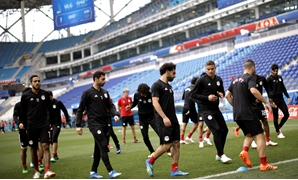 Soccer Football - World Cup - Egypt Training - Volgograd Arena, Volgograd, Russia - June 24, 2018 Egypt's Mohamed Salah, Ahmed Fathy and team mates during training REUTERS/Ueslei Marcelino