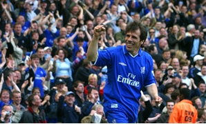 Zola returns to Chelsea as Sarri's assistant. Reuters Staff