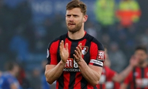 Soccer Football - Premier League - Leicester City vs AFC Bournemouth - King Power Stadium, Leicester, Britain - March 3, 2018 Bournemouth's Simon Francis applauds the fans after the match Action Images via Reuters/Craig Brough