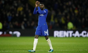Soccer Football - Premier League - Watford vs Chelsea - Vicarage Road, Watford, Britain - February 5, 2018 Chelsea's Tiemoue Bakayoko applauds fans as he is sent off REUTERS/David Klein