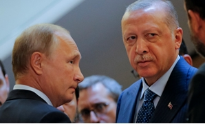Russian President Vladimir Putin (L) meets with his Turkish counterpart Tayyip Erdogan in Sochi, Russia September 17, 2018. Alexander Zemlianichenko/Pool via REUTERS