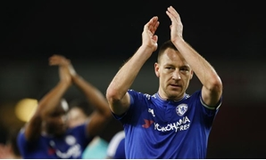 Football Soccer - Arsenal v Chelsea - Barclays Premier League - Emirates Stadium - 24/1/16 Chelsea's John Terry applauds the fans at the end of the match Action Images via Reuters / John Sibley Livepic