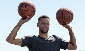 Golden State Warriors NBA basketball player Stephen Curry is filmed for an Infiniti car advertisement in Blackhawk, California, U.S. June 26, 2017. Picture taken June 26, 2017. REUTERS/Kate Munsch