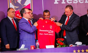 Al-Ahly's president, Mahmoud el-Khatib (L) alongside Presentation Sports' president, Mohamed Kamel (R) – Courtesy of Al-Ahly's official website