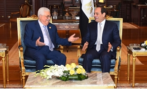 President Abdel Fatah al-Sisi (R) and his Palestinian counterpart Mahmoud Abbas (L) in Sharm El-Sheikh on Nov. 3, 2018- Press Photo