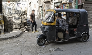 Toktok driver in old cairo – Wikimedia Commons/Wael Kenawey Photography