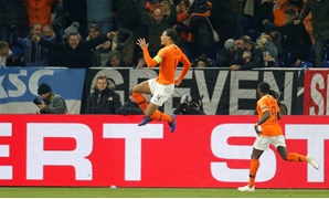 Soccer Football - UEFA Nations League - League A - Group 1 - Germany v Netherlands - Veltins-Arena, Gelsenkirchen, Germany - November 19, 2018 Netherlands' Virgil van Dijk celebrates scoring their second goal REUTERS/Leon Kuegeler