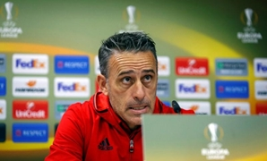 Football Soccer - Olympiacos news conference - Astana v Olympiacos - UEFA Europa League Group Stage - Group B - Astana Arena Stadium, Astana, Kazakhstan - 02/11/16. Olympiacos' coach Paulo Bento attends a news conference. REUTERS/Shamil Zhumatov
