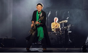 FILE PHOTO: Keith Richards and Charlie Watts of the Rolling Stones perform during a concert at Friends Arena in Stockholm, Sweden, October 12, 2017. TT NEWS AGENCY/Stina Stjernkvist via REUTERS.