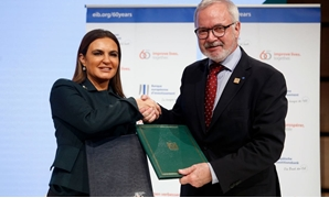 Minister Sahar Nasr and President of the EIB Werner Hoyer during the signing ceremony – Press photo