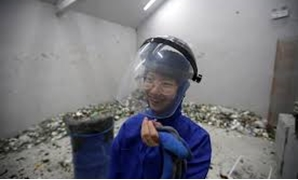 All the rage: Beijingers vent their stress in 'anger room' - Reuters