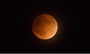 Super Blood Moon; lunar eclipse of full moon at perigee; 9/27/15 - CC via Flickr/NPS/Brad Sutton
