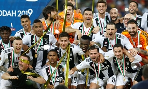 Soccer Football - Italian Super Cup - Juventus v AC Milan - King Abdullah Sports City, Jeddah, Saudi Arabia - January 16, 2019 Juventus players celebrate winning the Italian Super Cup REUTERS/Faisal Al Nasser
