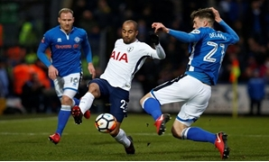 Soccer Football - FA Cup Fifth Round - Rochdale vs Tottenham Hotspur - The Crown Oil Arena, Rochdale, Britain - February 18, 2018 Tottenham's Lucas Moura in action with Rochdale's Ryan Delaney. Photo: REUTERS / Andrew Yates
