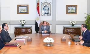 President Abdel Fahat al-Sisi meets with Prime Minster Moustafa Madbouli and Minister of Petroleum Tarek el Molla on March 7, 2019 - Press photo
