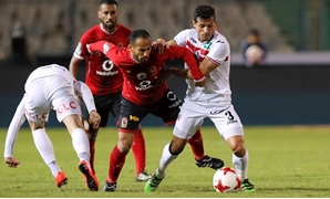 Soccer Football - Egyptian Premier League - Zamalek vs Al Ahly - Cairo International Stadium, Cairo, Egypt - January 8, 2018 Al Ahly's Walid Soliman in action with Zamalek's Tarek Hamed REUTERS