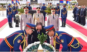 President Abdel Fatah al-Sisi laid wreaths on Wednesday at the tomb of the Unknown Soldier on the occasion of the 37th anniversary of the liberation of the Sinai Peninsula - Press Photo