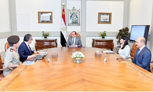 President Sisi meets with Minister of Antiquities Khaled Anani and Minister of Tourism Rania al-Mashat on Sunday- Press photo