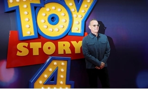 "FILE PHOTO: Cast member Tom Hanks attends the UK premiere of ""Toy Story 4"" in London, Britain, June 16, 2019. REUTERS/Simon Dawson/File Photo."