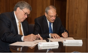 Egypt's Public Prosecutor Nabil Sadek and United States Attorney General in the Donald Trump administration William Barr sign on Thursday a memorandum of understanding for judicial cooperation in Washington – Press photo