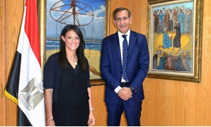 PRESS: (L) Tourism Minister Rania Al-Mashat, (R) Raghu Malhotra, President of Mastercard Middle East and Africa