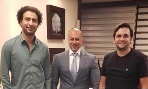 President of the United Media Services Company Tamer Mursi, has signed with comedians Ali Rabie and Mostafa Khater to shoot a TV series scheduled to participate in the upcoming Ramadan marathon for 2020.