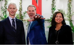 French Culture Minister Franck Riester, Reed Hastings, co-founder and CEO of Netflix and Paris Mayor Anne Hidalgo attend the inauguration of Netflix new offices in Paris, France, January 17, 2020. REUTERS/Gonzalo Fuentes.