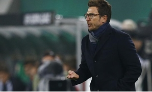 UEFA Europa League group stage - Allianz Stadium, Vienna, Austria - 20/10/2016. Sassuolo's coach Eusebio Di Francesco. REUTERS/Leonhard Foeger