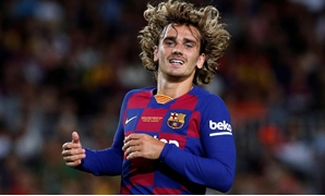 FILE PHOTO: Soccer Football - Joan Gamper Trophy - Barcelona v Arsenal - Camp Nou, Barcelona, Spain - August 4, 2019 Barcelona's Antoine Griezmann in action during the match REUTERS/Albert Gea