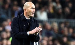 Soccer Football - La Liga Santander - FC Barcelona v Real Madrid - Camp Nou, Barcelona, Spain - December 18, 2019 Real Madrid coach Zinedine Zidane REUTERS/Sergio Perez